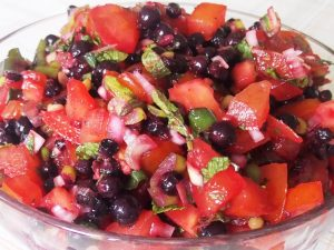 blackcurrant-tomato-salsa