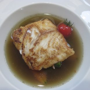 STEW WITH HAKE IN BLACKCURRANT PEPPER