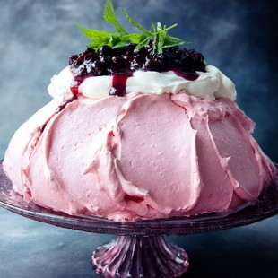 BLACKCURRANT PAVLOVA