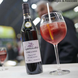 BLACKCURRANT SPRITZ
